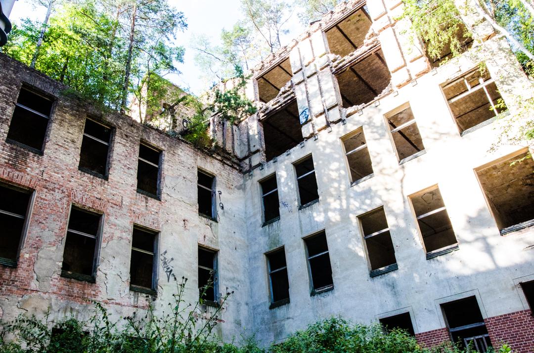Opuszczony szpital dla chorych na gruźlicę w Beelitz (28)