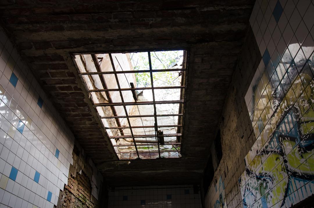 Opuszczony szpital dla chorych na gruźlicę w Beelitz (51)