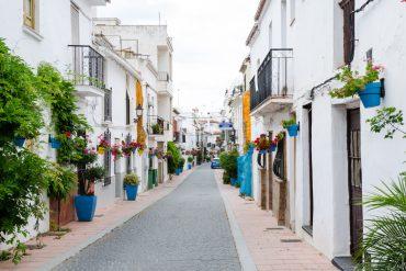 Estepona - miasteczko kwiatów i sztuki ulicznej
